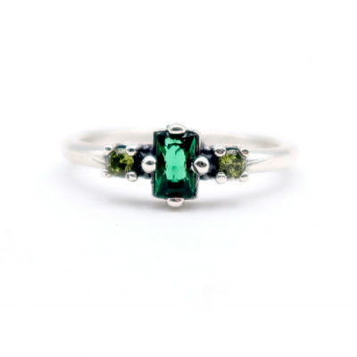 Anell Pedres Verdes Plata Top Silver